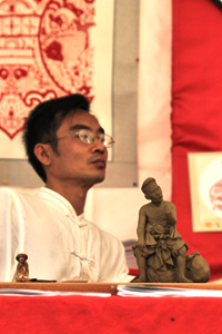 L'artiste sculpteur reconnu internationalement : wu guangrang
